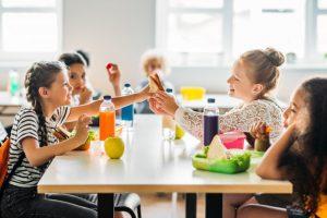 kids eating lunch school